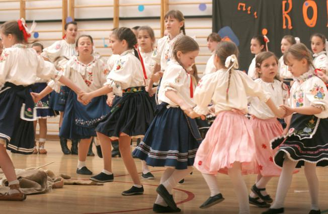 Photo of Područna škola Sarvaš ugostila je jučer 338 učenika plesača